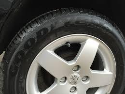 peugeot awd cars peugeot 207 1 4 vti sportium 5dr hatchback 2012 61 plate black