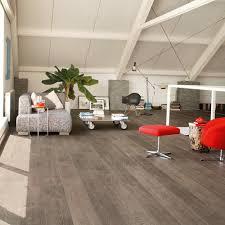 flooring uw1547 elignawide oakplankswithsawcutslightnew 1