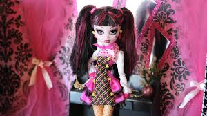 doll room tour draculaura s closet plus craft project youtube