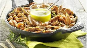 cuisiner l ail recette crevettes grises sautées à l ail et au romarin cuisiner