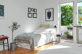 Small Single Bedroom Design Interior Design For Single Bedroom Warm And Comfortable Interior