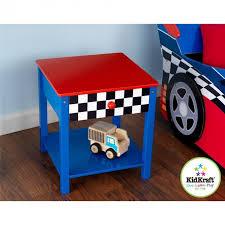 chambre garcon theme voiture table de chevet voiture de course pour enfant