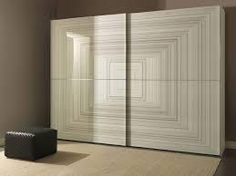 armoire de chambre design armoire de rangement dans la chambre l ordre dans le chaos
