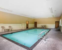 quality inn u0026 suites davenport ia hotel