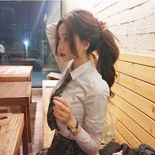 easy hairstyles for waitress s open ayame sat up fixing her ponytail as the waitress brought