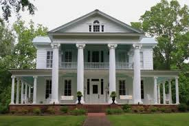 plantation style house plantation homes southern and wrap around porches country style