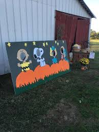 Peanuts Halloween Outdoor Decorations by Best 25 Great Pumpkin Charlie Brown Ideas On Pinterest Charlie