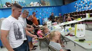 hairstyling classes single teaches free hair styling classes for other dads i