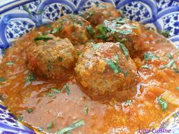 cuisiner des boulettes de boeuf boulettes de viande hachée à la sauce tomate aujourd hui c est