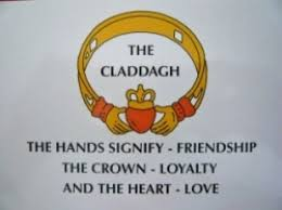 claddagh ring story the ring of claddagh what does it hubpages