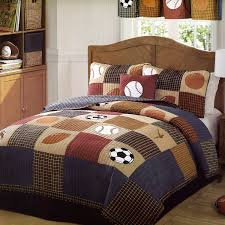 amazon com classic sports full queen quilt and 2 pillow shams by