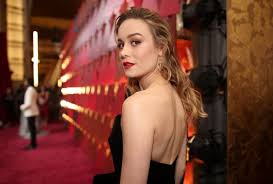 brie larson casey affleck brie larson explains why she refused to clap for casey affleck at