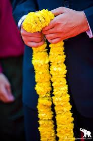 indian wedding garlands 21 best indian wedding garlands floral garlands jai mala
