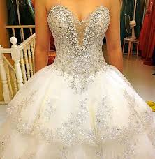 bling wedding dresses gorgeous wedding dresses with a lot of bling projecten om te
