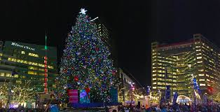 holiday lights tour detroit christmas tree lighting in cus martius opens downtown holiday