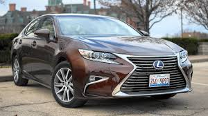 toyota lexus sedan 2016 lexus es300 midsize hybrid sedan fails to deliver on luxury