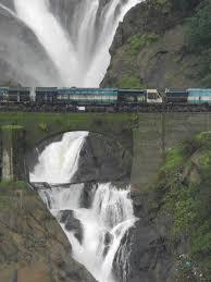 carry on jatta jeep hd wallpaper how to reach dudhsagar waterfalls by train dudhsagar waterfalls