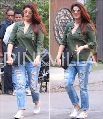 Twinkle Khanna Home Decor Twinkle Khanna Looks Her Casual Best As She Gets Clicked Pinkvilla