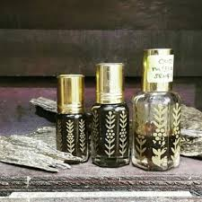 Minyak Oud minyak wangi gaharu health perfumes nail care others