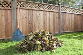 How To Make A Compost Pile In Your Backyard by How To Make And Use A Leaf Mold For Organic Gardening