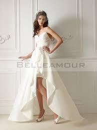 robe mariã e courte de mariée courte devant longue derrière décolleté coeur perles