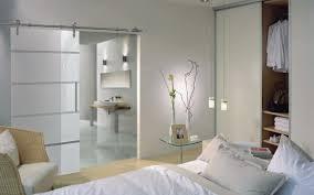 glastüren badezimmer offene küche schiebetür zwischen küche esszimmer wohnzimmer