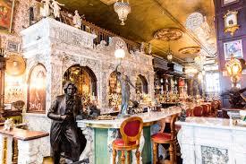 an oscar wilde themed pub has opened in new york