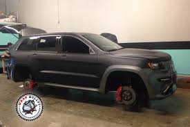 srt jeep 2016 white jeep srt8 wrapped in 3m deep matte black vehicle wrap wrap bullys