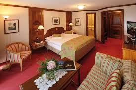 petit plat en chambre hotel sonne zermatt wellness spa dans les alpes suisses chambres