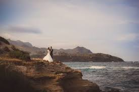 Hawaii Photographers Wedding Photographers In Honolulu Hi The Knot