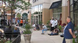 Barnes And Noble Clarendon Report Tiaa Cref Selling Market Common In Clarendon To Regency