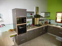 cuisine gris et vert anis cuisine en gris une cuisine grise pour une dcoration apaisante