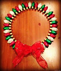 christmas craft 3 u2013 old fashioned glittered lightbulb wreath