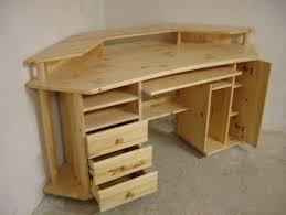 Build A Wooden Computer Desk by Best 25 Gaming Desk Ideas On Pinterest Gaming Computer Desk