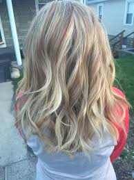 long bob hairstyles with low lights honey blonde highlights with lowlights hair and makeup ideas