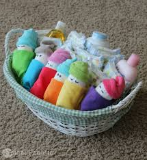 Simple Baby Shower Ideas by Making Baby Shower Gifts With Diapers Baby Shower Diy
