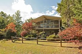 mountain solace a 3 bedroom cabin in gatlinburg tennessee