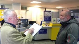 bureau de poste tours poste la caricature au service du respect