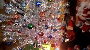 vintage aluminum christmas tree the 1959 pom pom sparkler christmas tree and color wheel