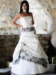 robe de mariã e grise et blanche robes de mariage robes de soirée et décoration la robe de mariée