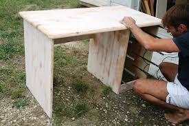 peindre un bureau le bureau de colin un travail à 8 mains diy relooking mobilier