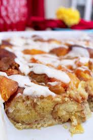peach cobbler bread pudding