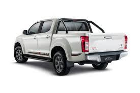 isuzu dmax 2015 2017 isuzu d max x runner 4x4 pearl white 3 0l 4cyl diesel