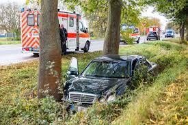 Jugendfeuerwehr Wiesbaden112 De Erneuter Verkehrsunfall Auf B42 Bei Oestrich Winkel U2013 Pkw Landet