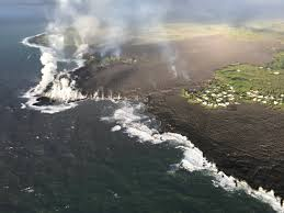 Hawaii Travel Math images K lauea eats an entire bay and lake in hawaii rocky planet jpg