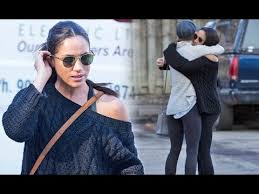 meghan markle toronto meghan markle shows casual style on her first appearance in toronto