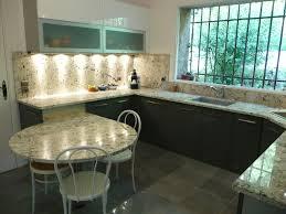 cuisine avec plan de travail en granit plan de travail imitation granit maison design bahbe com avec