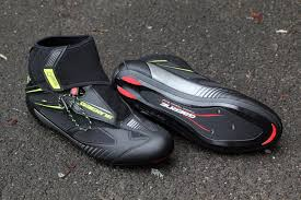 bike riding sneakers beginner s guide to cycling shoes the secrets of comfy feet road cc