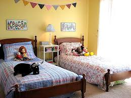 Wonderful Shared Kids Room Ideas Digsdigs The Great Divide - Boys shared bedroom ideas
