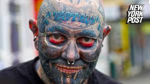 man gets eyeball and tattooed to handle his chronic pain